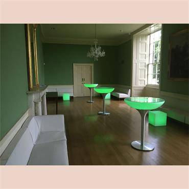 LED POD Champagne Table