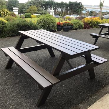 Picnic Bench (traditional style)