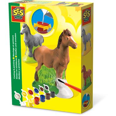 Casting and painting - Horse