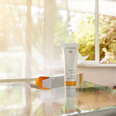 Dr Hauschka Tinted  Day Cream 30ml