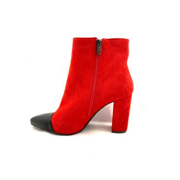 XTI LDS T/CAP ZIP ANKLE BOOT - RED SUEDE