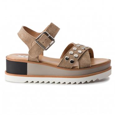 XTI WOMENS LOW WEDGE STRAP STUD SDL - TAUPE SUEDE
