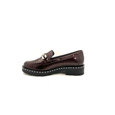 PITILLOS WOMENS STUD CHAIN LOAFER - BURGUNDY PATENT