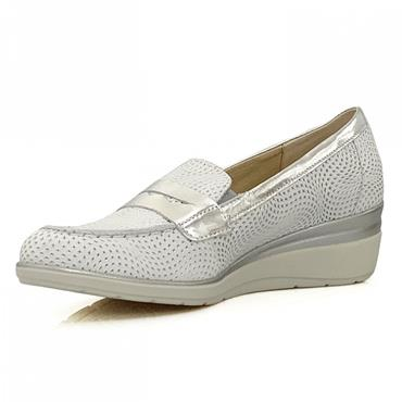 PITILLOS WOMENS LOW WEDGE MOCCASSIN - SILVER WHITE