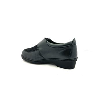 PINOSO WOMENS VELCRO STRAP SHOE - BLACK