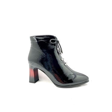 MILLIE LDS POINT TOE ZIP ANKLE BOOT - BLACK PATENT