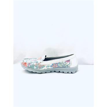 H FEET LDS SLIP ON MOCCASSIN SHOE - WHITE SILVER