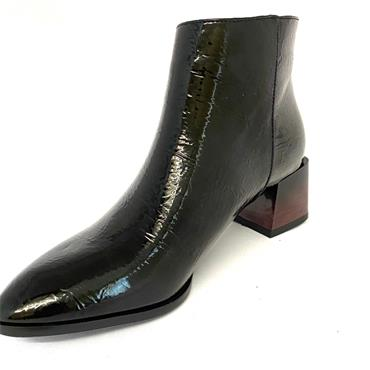 KATE APPLEBY LDS ZIP ANKLE BOOT - BLACK PATENT