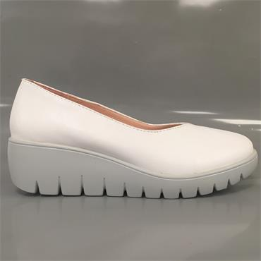 KATE APPLEBY HOVE CASUAL SHOE-White
