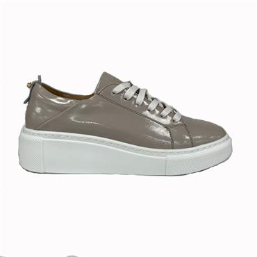 KATE APPLEBY THIRST CASUAL SHOE-TAUPE
