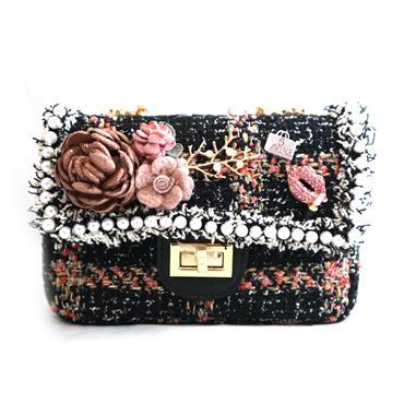 PEACH BLACK BAG W/ FLOWERS - BLACK