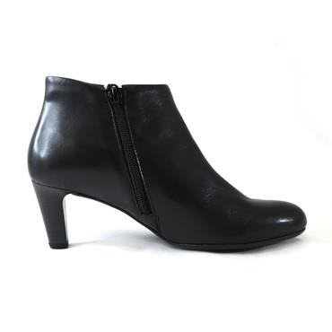 77 GABOR BLACK LEATHER ANKLE BOOT - BLACK