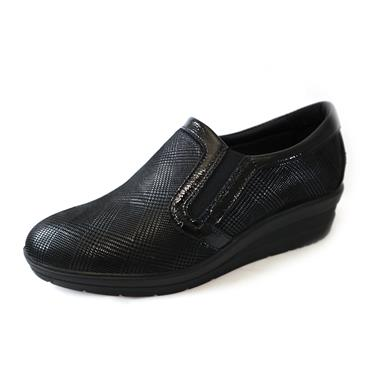 2 IMAC BLACK  SLIP ON WEDGE SHOE - BLACK