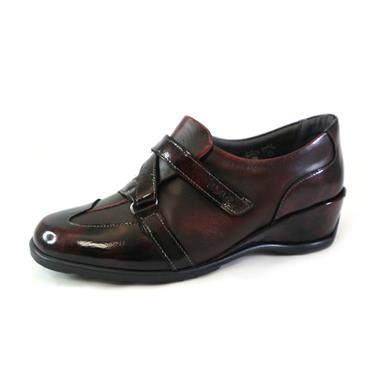 25 SUAVE WEDGE VELCRO STRAP SHOE - WINE