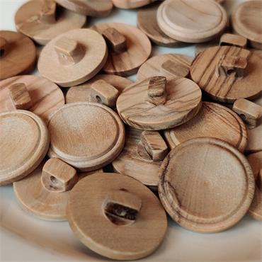 1 x Wooden Shank Button (19mm) Size 30