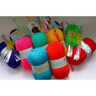King Cole Pricewise Yarn and Needles School Pack