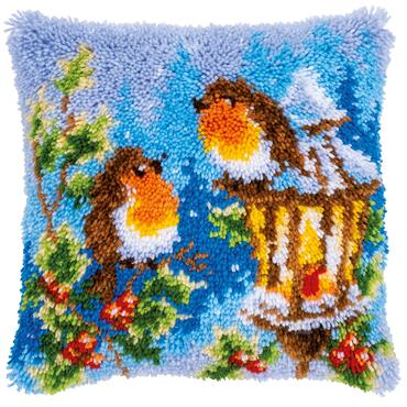Vervaco Latch Hook Cushion Kit (Robins with Christmas)   ***