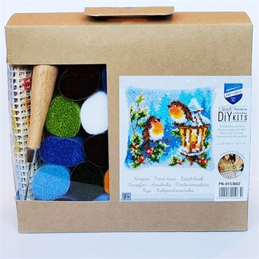 Vervaco Latch Hook Cushion Kit (Robins with Christmas)