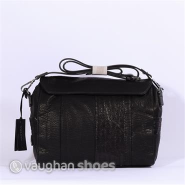 Volum Flap Bag - Black