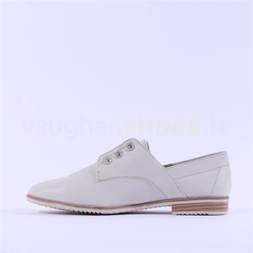 Tamaris Low Cut Leather Brogue - Off White Leather