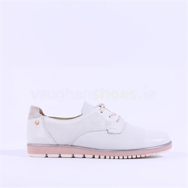 Tamaris Eulalia Lace Up Cleated Brogue - White Rose
