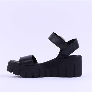 Tamaris Cobe Cleated Platform Sandal - Black Leather