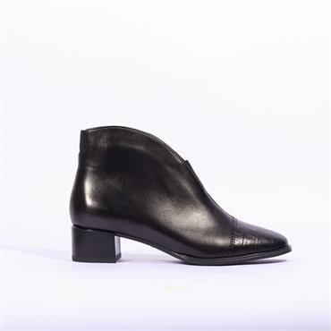 Ara Vicenca V Cut Croc Toe Cap Boot - Black Leather