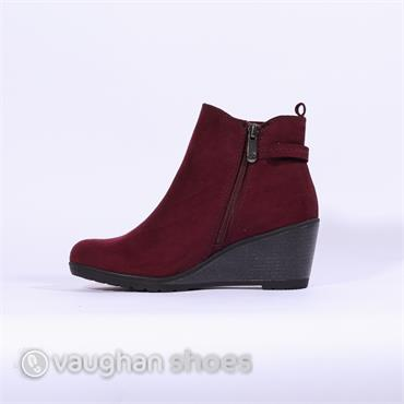 Marco Tozzi Wedge Ankle Boot With Buckle - Bordo