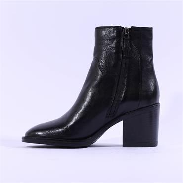 Clarks Women Mascarpone 2 Go Ankle Boot - Black Leather