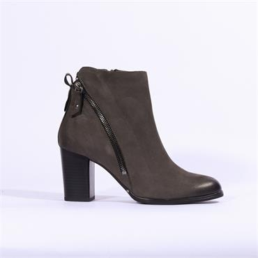 Caprice Block Heel Boot Diagonal Zip - Dark Grey Nubuck