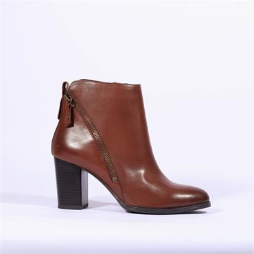 Caprice Diagonal Zip Ankle Boot Joeh - Cognac Leather