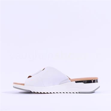 Caprice Criss Cross Mule Sandal Kandy - White Patent
