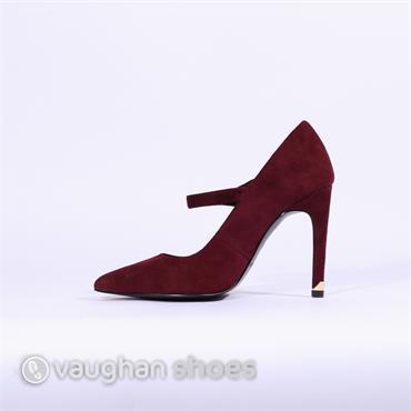 805e1017a2 Amy Huberman | Vaughan Shoes | Ireland