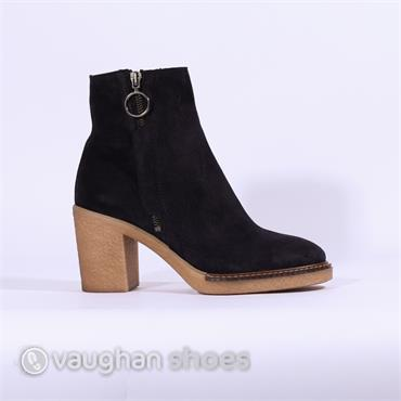 Alpe Crepe Sole Ankle Boot Side Zip - Navy Suede