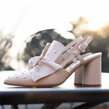 Marco Moreo Marzia Bow Stud Sandal - Cream