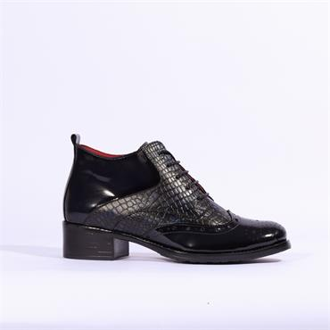 Jose Saenz Brogue Laced Boot - Navy Combi