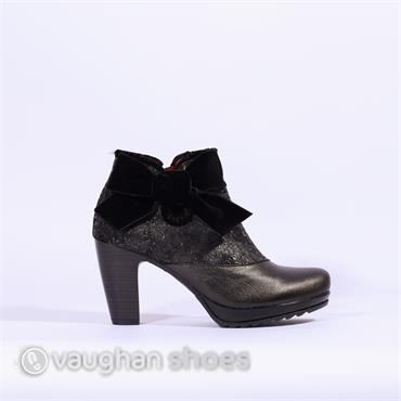 Jose Saenz Boot With Large Bow - Black