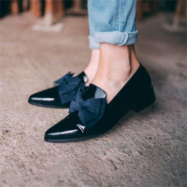 Marco Moreo Point Toe Bow Loafer Bianca - Navy Patent
