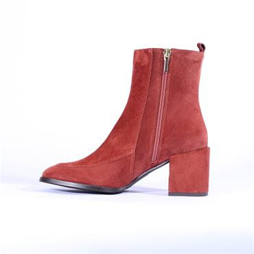Marian Covered Block Heel Boot Diana - Earth Red