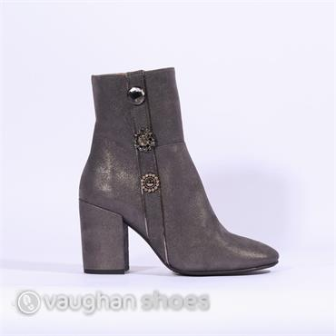 Marian Block Heel Boot With Detail - Grey