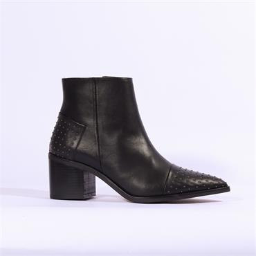 Marian Stud Detail Boot Celsa - Black Leather