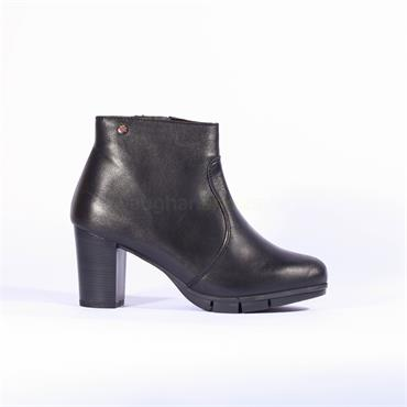 Pepe Menargues Block Heel Ankle Boot - Black Leather