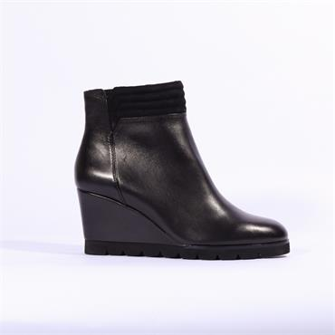 Regarde Le Ciel Piped Cuff Wedge Boot - Black