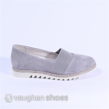 Regarde Slip On With Elasticated Band - Light Grey