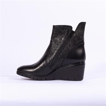 Repo Wedge Boot Diagonal Side Zip - Black Leather