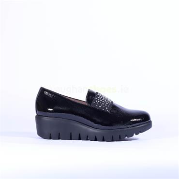 Wonders Sparkle Stud Band Wedge Shoe - Black Patent