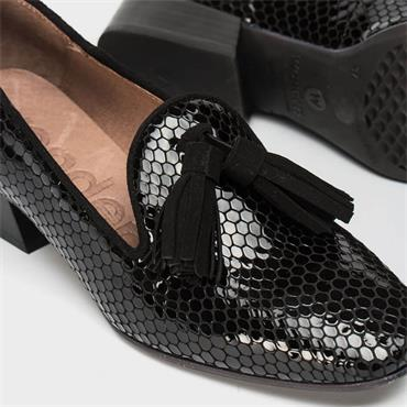 Wonders Low Heel Slip On Tassel Loafer - Black Croc Leather