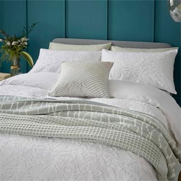 Helena Springfield Clipped Floral Duvet Cover Set White