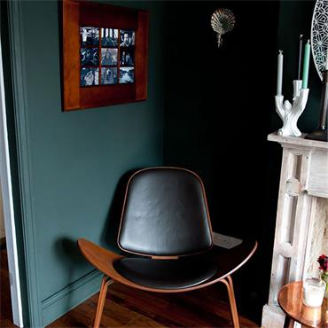 Farrow & Ball Studio Green No.93 Estate Eggshell