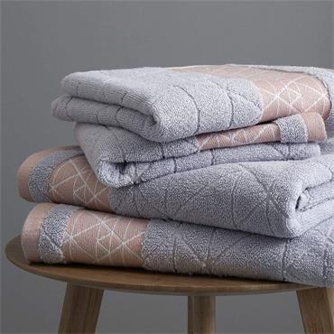 Catherine Lansfield Linear Diamond Blush Bath Towel
